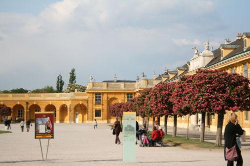 シェーンブルン宮殿正面近影